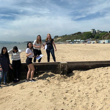 Geog Trip to Bournemouth 2.jpg